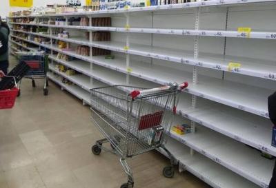 Россияне снова начали запасать продукты в связи с Covid-19